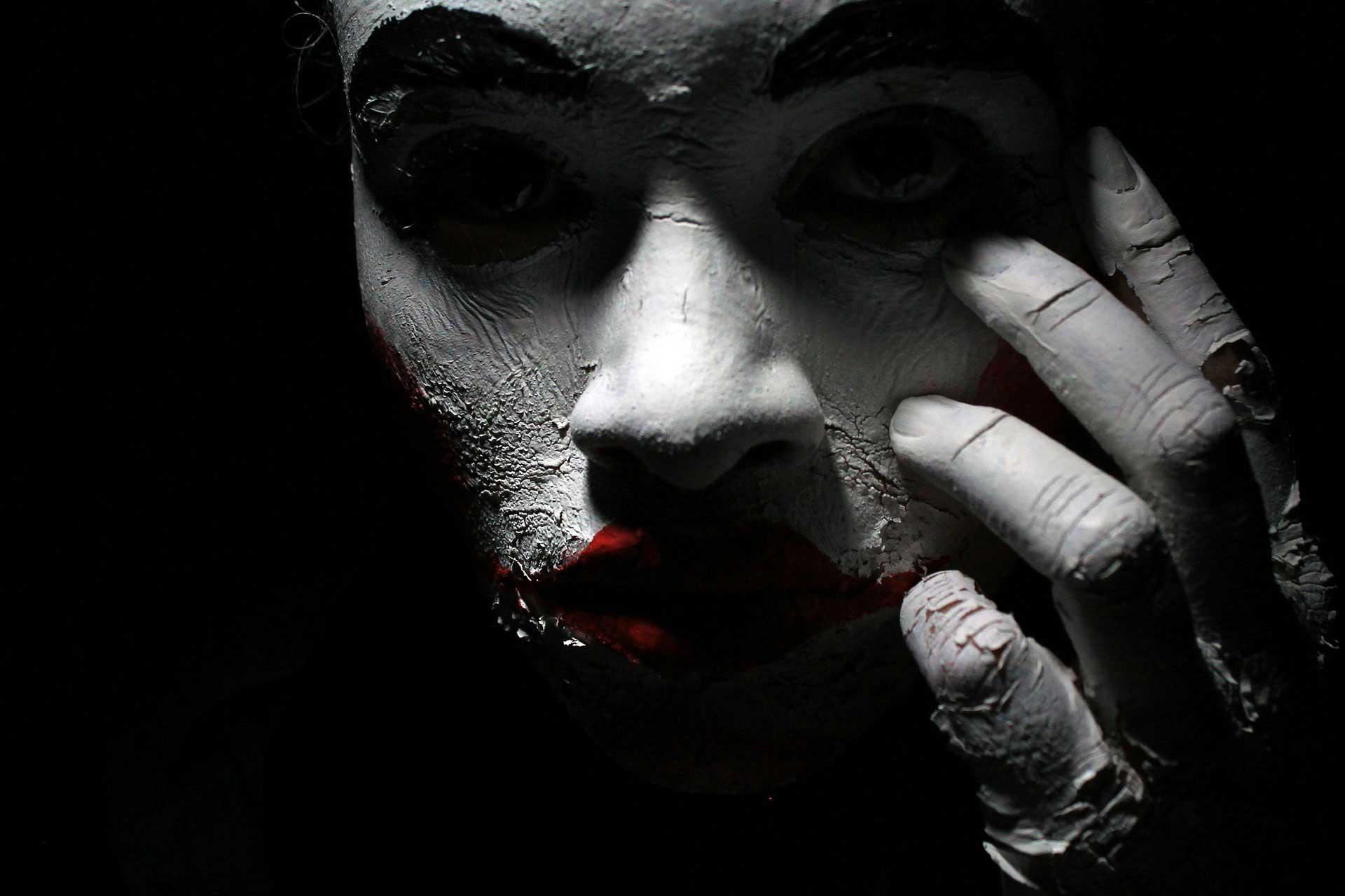 Joker gibi kotu karakter.